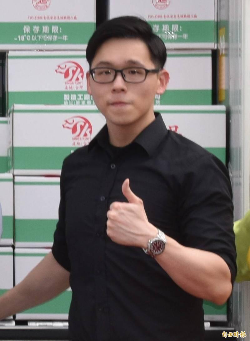 信功實業公司經理楊旻叡表示,公開聲明是對客戶交代,沒要打蘇院長及政治化。(記者葉永騫攝)
