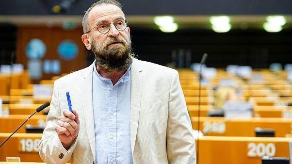 檯面上強烈反同的匈牙利歐洲議會議員薩耶爾(József Szájer),違反封城令參加男男性愛淫趴,已經引咎辭職。(翻攝自歐盟官網)
