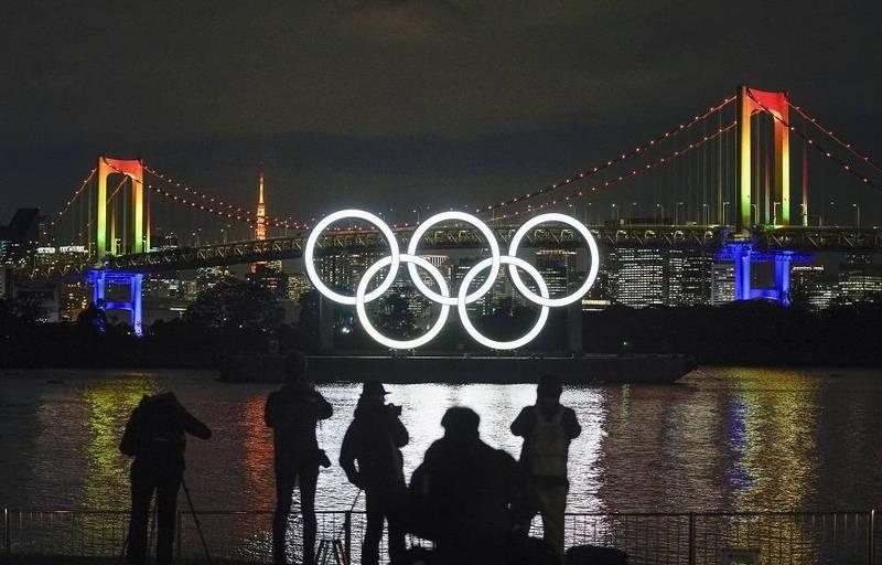 日本政府探討東京奧運防疫對策,針對住在奧運村的選手,即使沒有症狀也將每隔96至120小時定期檢測。(歐新社)