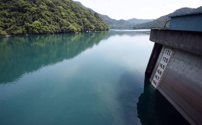 北部地區近來連日大雨,翡翠水庫目前有效蓄水量達3億937立方公尺,約維持92%水量,確保大台北地區至農曆春節供水無虞。(資料照)