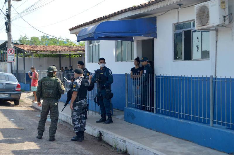 卡梅塔市警方現正積極追捕在逃劫匪。(法新社)