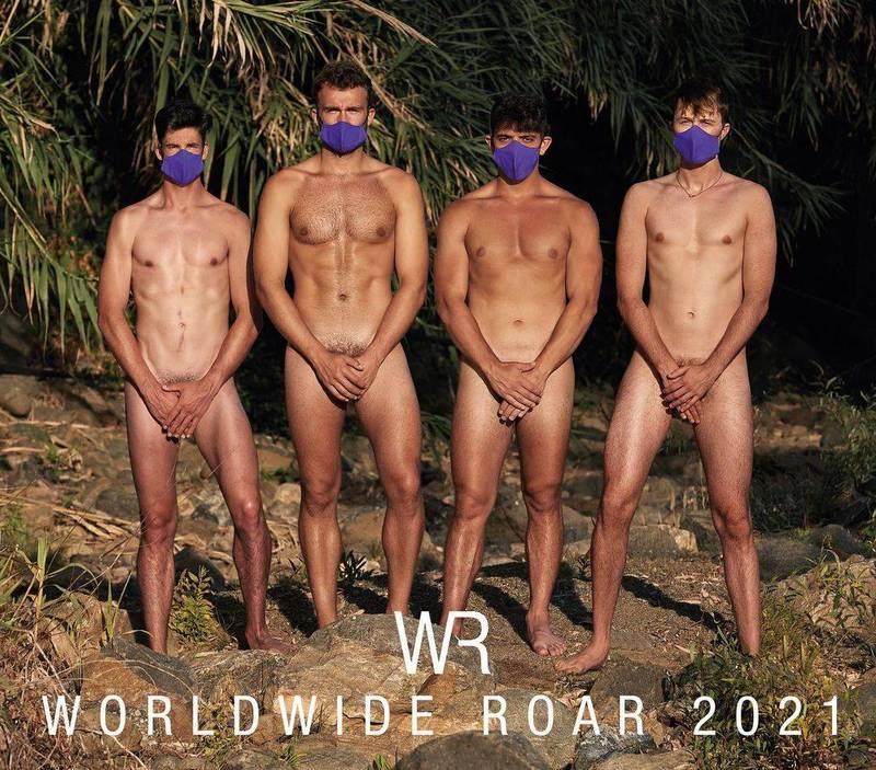 英國賽艇隊運動員獻出超大尺度,裸身拍公益年曆。(Instagram帳號worldwideroar 授權)