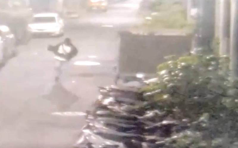 高市民宅槍擊案台南道上傳槍手已出境,警方公布影像供指認嗆追緝到底。(記者黃良傑翻攝)