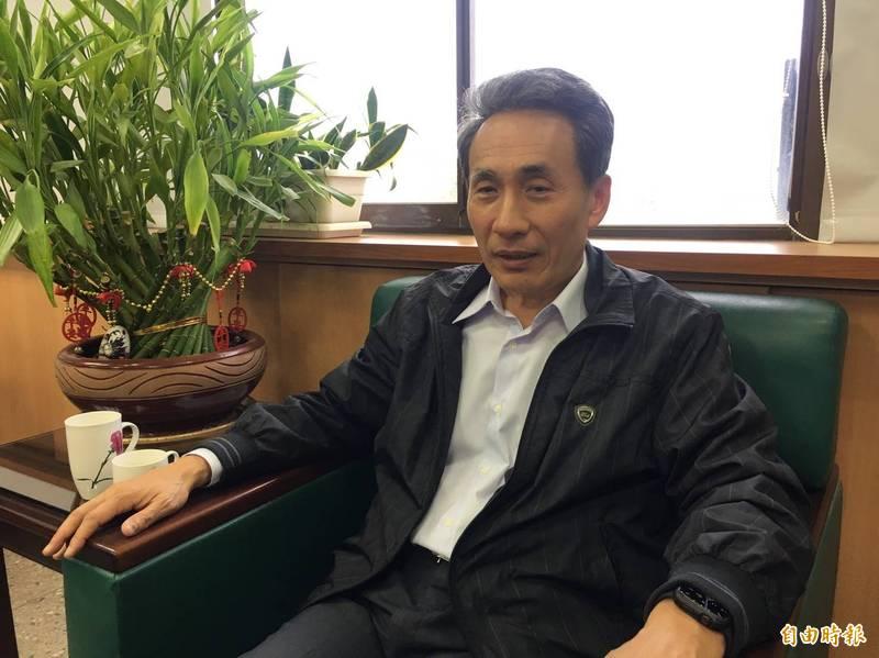 雲林縣府教育處長邱孝文表示,校方今天會啟動性平調查。(記者黃淑莉攝)