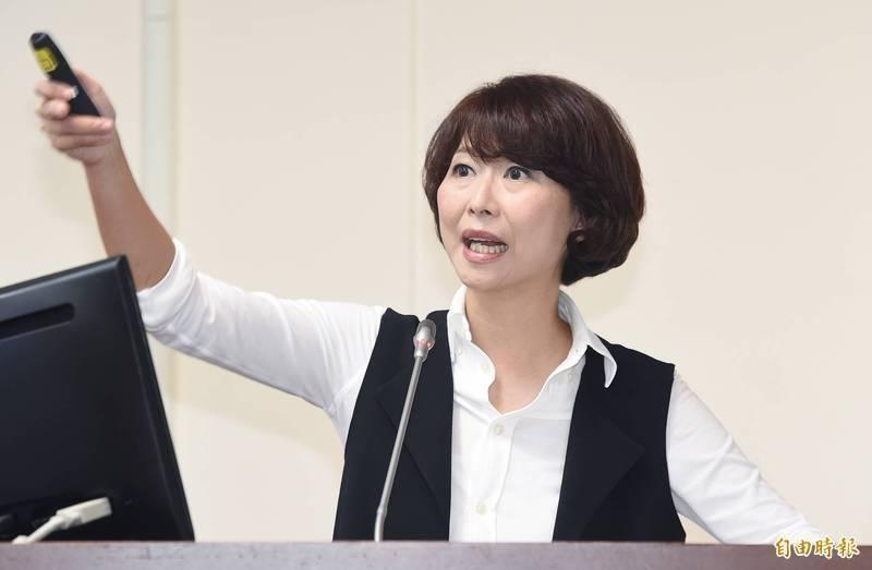 民進黨立委陳亭妃提出的「國家正常化」修憲案,遭國民黨團提案退回程序委員會。(資料照)