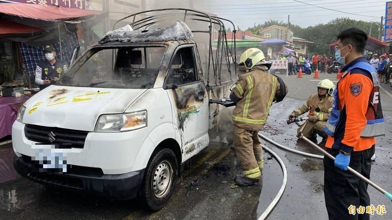 台南白河廟會遶境炮車火燒車,燒死1名9歲女童。(記者楊金城攝)