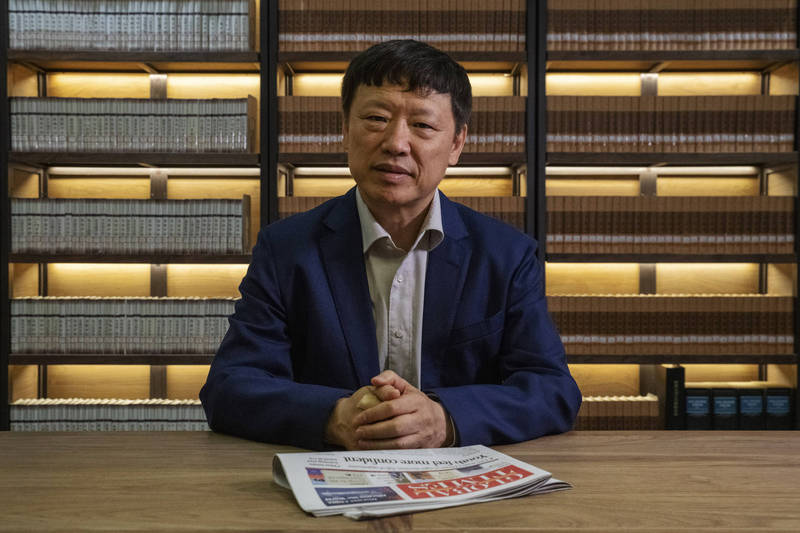 《環球時報》總編輯胡錫進(見圖)今日急著跳出來發文聲援邱毅、黃智賢,宣稱「台灣統派人士不要被台獨勢力的囂張氣焰嚇住」。(彭博資料照)
