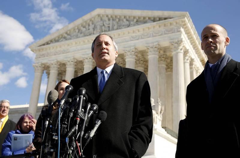 德州檢察長派克斯頓(Ken Paxton)8日宣布直接向聯邦最高法院提起訴訟,指控喬治亞州、密西根州、賓州和威斯康辛州的選舉過程違憲,目前也有10州加入。(路透)