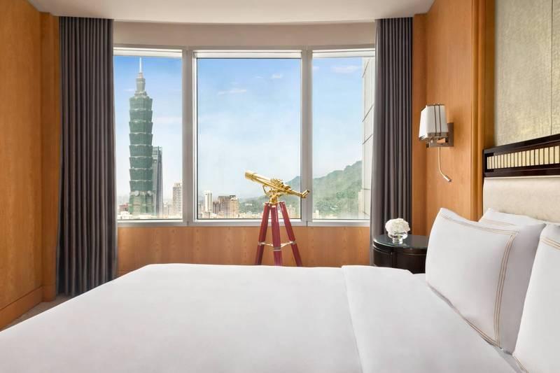 KKday12月14至18日與台北香格里拉飯店推出優惠1.4折起特級副總統套房,可一覽全台最高飯店盡收眼底的美景。(香格里拉飯店提供)