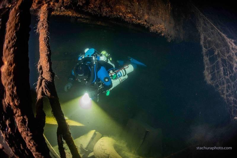 波蘭的潛水團隊近期在波羅的海內發現了當時德軍的戰艦卡爾斯魯厄號(Karlsruhe)殘骸,專家懷疑琥珀宮可能就在這艘船內。(路透)