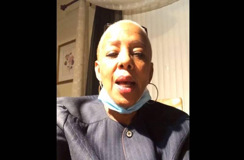 美國民主黨密西根州眾議員強生(見圖)在2日州眾議院的大選聽證會後,竟公開警告川粉「要當心、走路要小心」,已被撤銷州眾議院監督委員會職務。(圖擷取自Cynthia Johnson臉書)