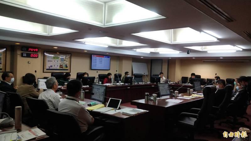 台北市議會交通委員會審查台北捷運公司明年度預算。(記者蔡亞樺攝)