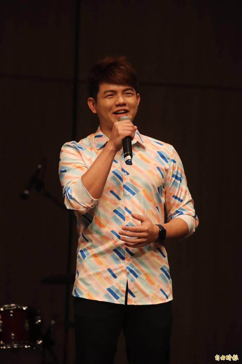 今年1人包辦4個新竹縣客家新曲獎獎項的創作歌手曾仲瑋,年底將率先登場替睽違6年的新竹縣跨年晚會暖身。(資料照,記者黃美珠攝)