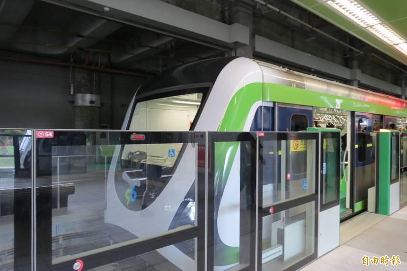 由於對北捷局及廠商提出的說明還有疑慮,市長盧秀燕今天上午9點宣布捷綠線12月19日確定無法通車。(記者蘇金鳳攝)