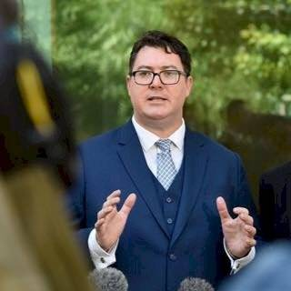 澳洲執政聯盟的國會議員克利斯坦森,呼籲澳洲應承認台灣主權地位。(圖擷取自臉書)