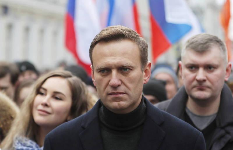 俄羅斯反對派領袖納瓦尼(Alexei Navalny)在今年8月疑似遭人下毒,被送往德國接受治療,經外媒聯合調查發現俄羅斯聯邦安全局(FSB)有1支特工隊長期跟蹤納瓦尼,團隊中有6至10名化武專家。(歐新社)