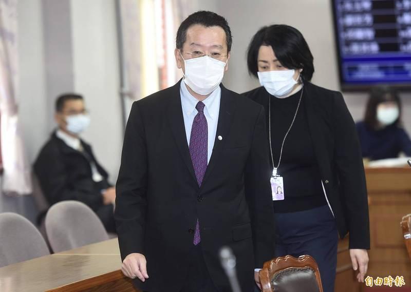 針對日本福島五縣市食品進口議題,總統府內是否展開討論,顧立雄表示,沒有討論。(簡榮豐攝影)