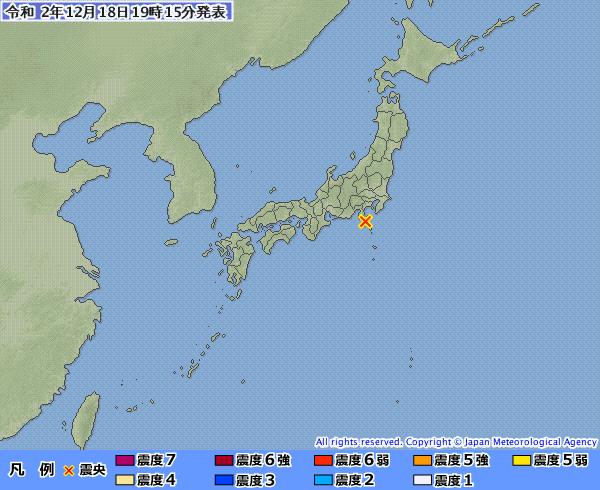 日本時間今天傍晚6時東京外海的伊豆大島近海觀測到規模5.1地震,最大震度5弱。(圖擷自日本氣象廳)