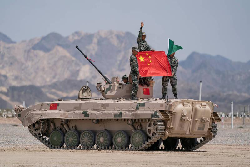 中國解放軍近日釋出「城市攻防戰」演習影片,被認為是針對台灣。中共戰車示意圖。(路透檔案照)