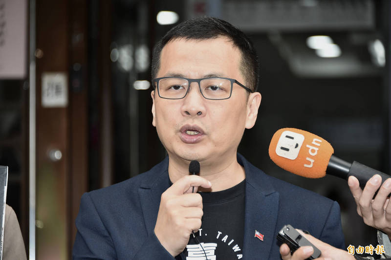 立法院24日將針對萊豬進口相關法案進行表決大戰,國民黨台北市議員羅智強(見圖)今在臉書發起「懸崖勒豬,留言+1」活動。(資料照)