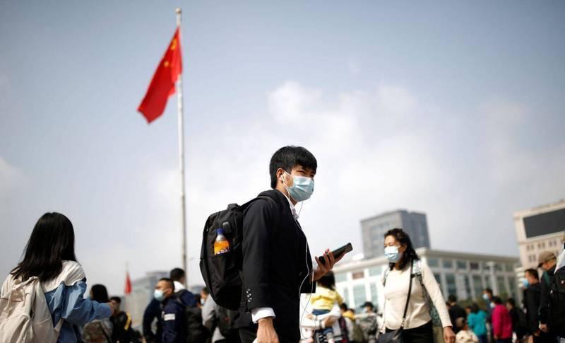 中國21日公布最新的民眾住房面積,城鎮平均值為39.8平方公尺(約12坪),農村平均值則為48.9平方公尺(約14.8坪)引發中國網友崩潰。圖為北京市街景。(路透檔案照)