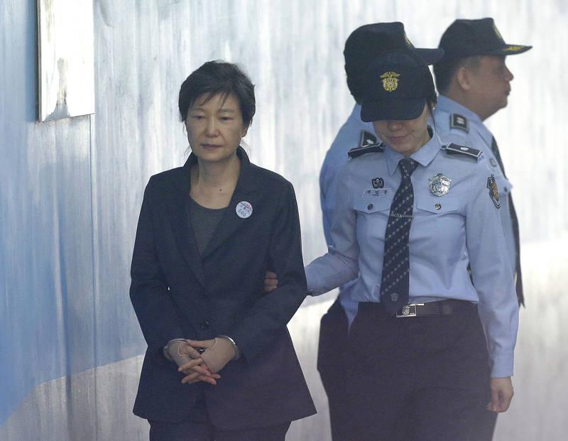 南韓前總統朴槿惠所在看守所也爆群聚感染。(美聯社)
