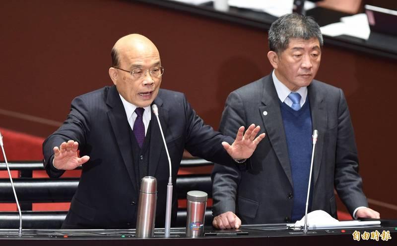 行政院長蘇貞昌(左)與衛福部長陳時中(右)22日赴立院備詢。 (記者劉信德攝)