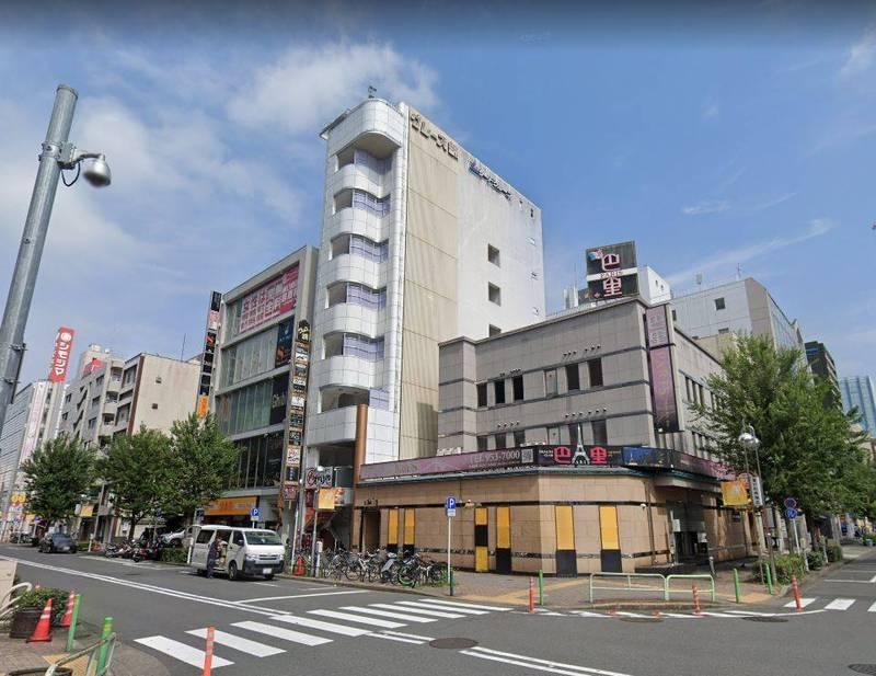 日本名古屋花園皇宮飯店地下停車場,沒有火災卻造成二氧化碳消防設備啟動,釀11人送醫1人死亡。(圖擷自Google街景)