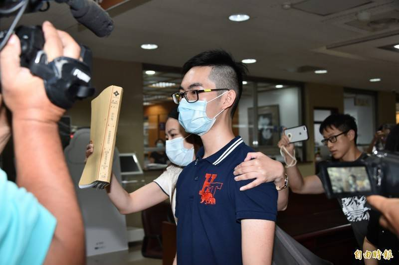 郭世楷(見圖)偷改王銓勵臉書等密碼,獲判拘役15日。(資料照)