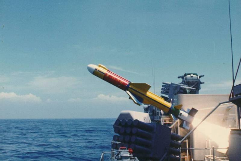 雄二飛彈自軍艦上發射。(圖:取自中科院網站)