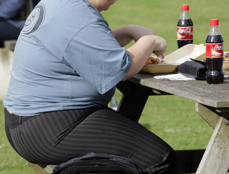 英國政府在今(28)日宣布從2022年4月起,將要禁止非健康食品進行促銷活動。(美聯社)