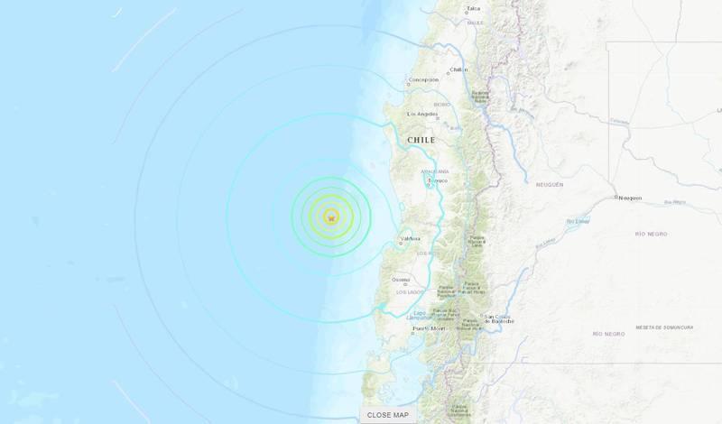 據美國地質調查局資訊,智利外海西北西141公里處於當地時間27日晚間6點39分(台灣時間28日清晨5點39分)發生規模6.8的強震,震央位於南緯39.326°、西經74.907°,震源深度10公里。(圖擷自USGS)