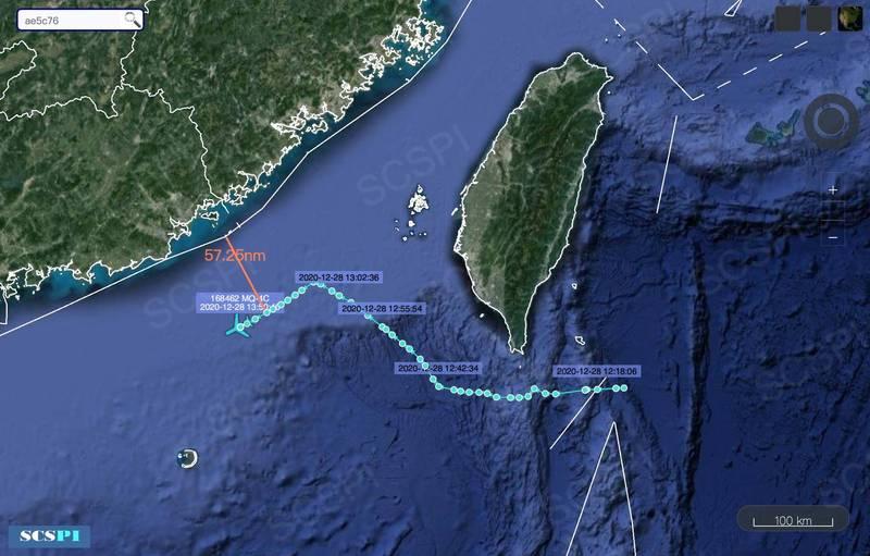 中國「南海戰略態勢感知計畫」指稱,美國軍機抵近廣東領海基線外57.25海里處。(圖取自scspi)