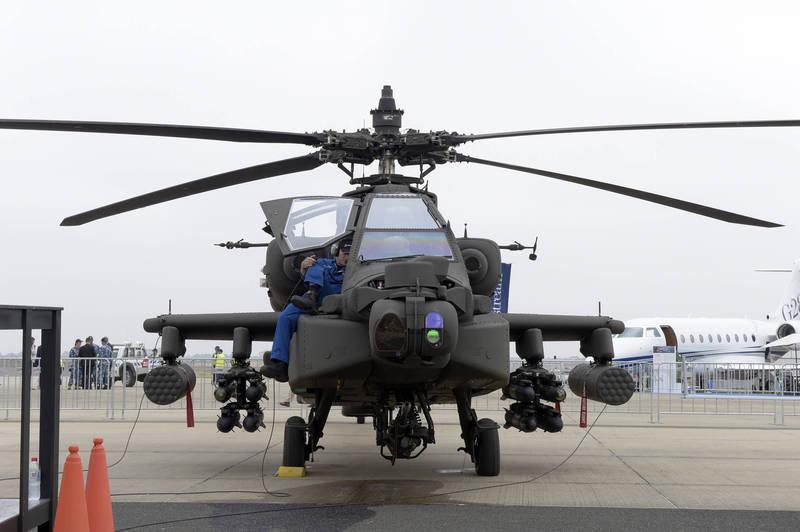 美國對科威特出售8架AH-64E阿帕契,並將科威特原有的16架AH-64D升級至AH-64E。(彭博)
