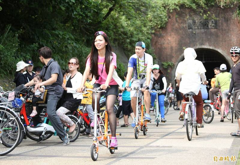 圖為串連新北市福隆和宜蘭濱海的舊草嶺環狀線自行車道。(資料照)