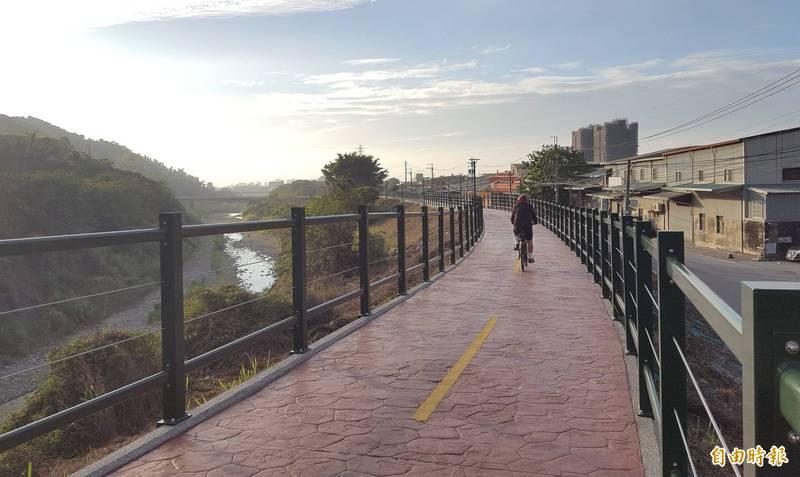 草湖溪自行車道最後一哩路完工 貓頭鷹地景彩繪吸睛