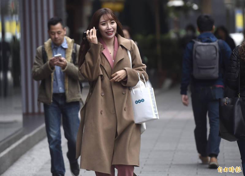 今天高雄內門出現罕見的20度溫差現象,引來網友熱議「朝穿棉襖午穿紗」。(資料照)