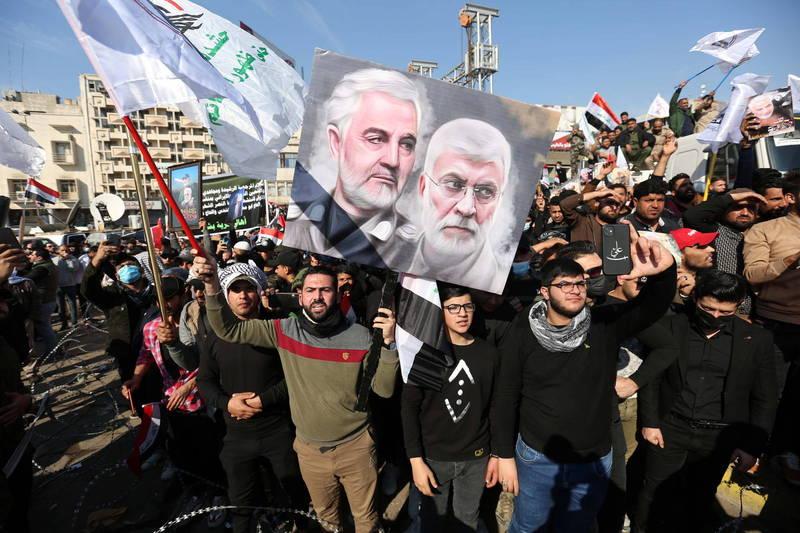 伊朗5日宣布,已要求國際刑警組織對美國總統川普和其他47名官員發布通緝令。圖為蘇萊曼尼逝世周年紀念活動。(歐新社)