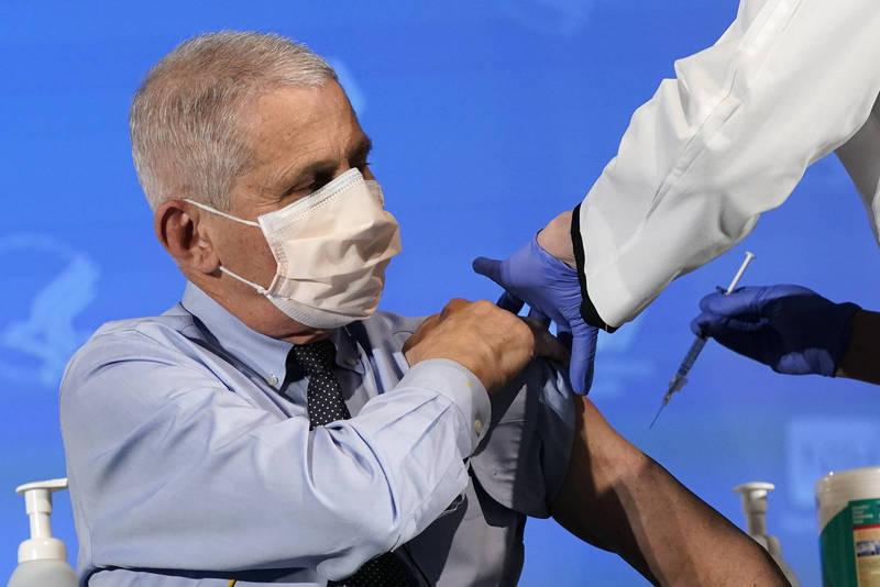 佛奇表示,美國很快就會達到每日100萬人次的單日疫苗接種數目標。(美聯社)