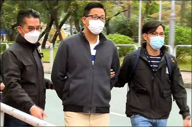 香港警方六日大舉逮捕民主派人士,圖為香港民主黨前立法會議員林卓廷。(美聯社)