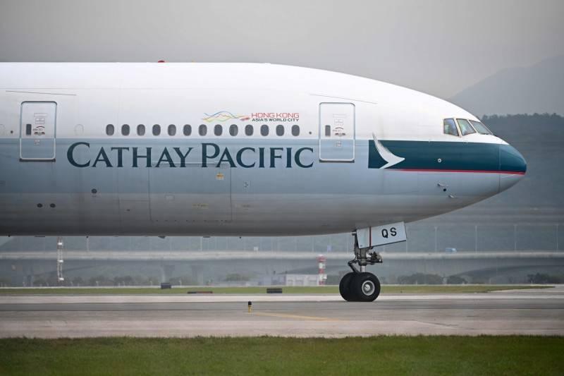 國泰航空昨宣布,從香港飛往英國倫敦的航班將會於12日復飛,至於英國返回香港的航班則持續暫停。(法新社)