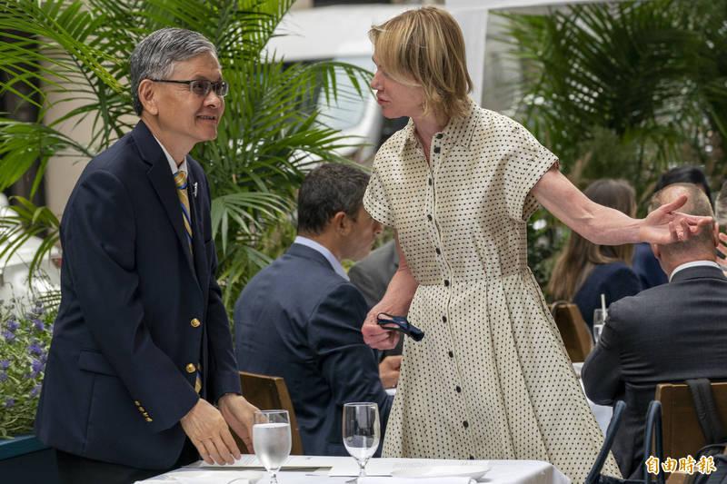 美方今天宣布,美國駐聯合國大使克拉夫特(右)將於13至15日訪台,與台灣高層及外交界人士會面。克拉夫特將是1979年美國與中華民國斷交以來,首位訪台的現任美國駐聯大使。(美聯社資料照)