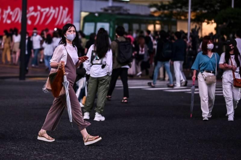 日本首相菅義偉7日對東京都、千葉縣、埼玉縣及神奈川縣等首都圈1都3縣,發布為期1個月的「緊急事態宣言」。(法新社資料照)