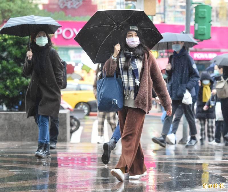 今日各地水氣增多,北部及東北部雨區範圍廣。(資料照)