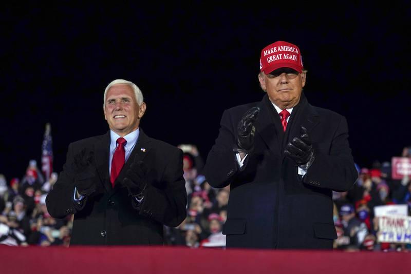 一名高階官員透露,美國總統川普週一晚間在白宮與副手彭斯進行會談,這也是2人自國會暴動以來首次對話。(美聯社資料照)