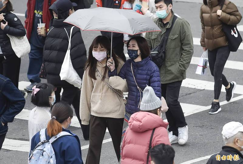 天氣風險分析師吳聖宇示警,台南以北到宜蘭一帶的空曠地區不排除有4至6度低溫出現的可能性,提醒民眾要做好保暖禦寒的準備。(資料照)