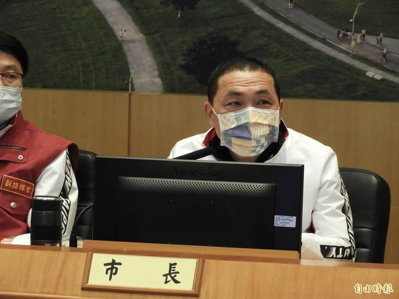 新北市長侯友宜表示,已啟動54家醫院的自主查核機制,其中18家急救責任醫院預計月底前查核完畢。(記者賴筱桐攝)