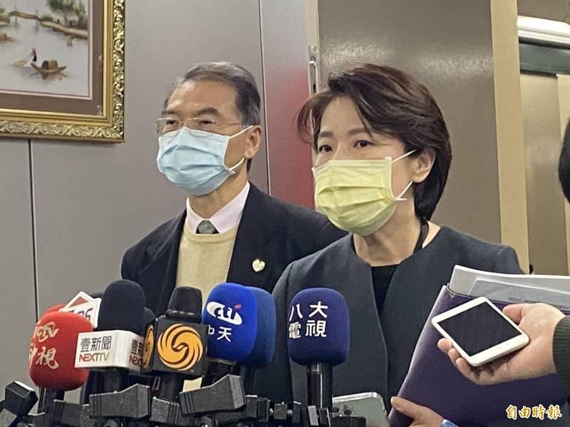 台北市副市長黃珊珊今表示,下午將討論台北燈節是否舉辦,不過防疫會議結束後,黃珊珊僅對北市府是否停辦尾牙做出回應。(資料照)