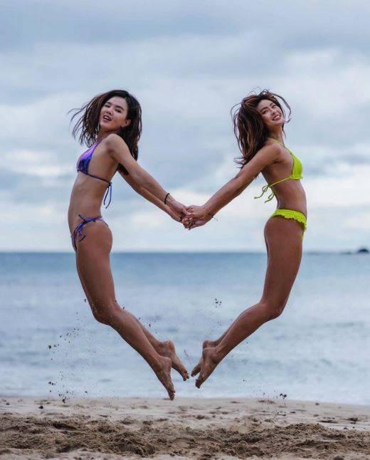 有網友認出,3名女子當中其中1人是在Instagram擁有2.5萬名粉絲追蹤、熱愛上山下海並拍下美照的的模特兒「elmo」(圖右)(圖取自elmoooo38《IG》授權使用)
