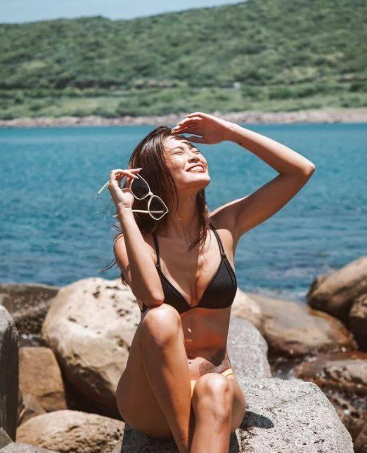 有網友認出,3名女子當中其中1人是在Instagram擁有2.5萬名粉絲追蹤、熱愛上山下海並拍下美照的的模特兒「elmo」。(圖取自elmoooo38《IG》授權使用)